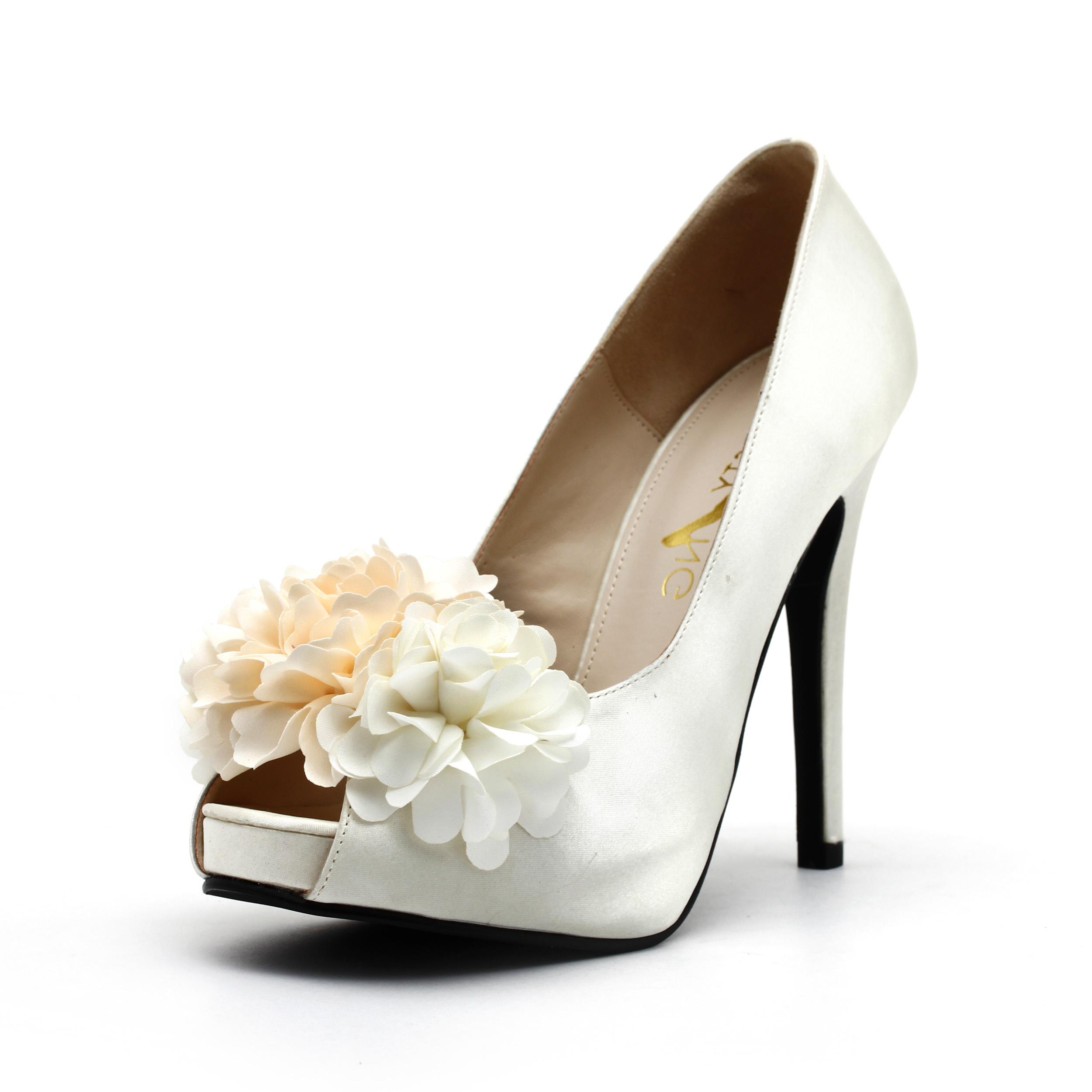 bb3334a5761 Three Dimensions White Chiffon Flower Wedding Shoes